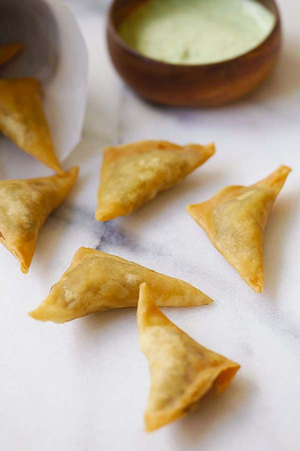Easy Samosa - Samosa is an Indian deep-fried appetizer filled with spiced potatoes. Fail-proof samosa recipe, so good | rasamalaysia.com