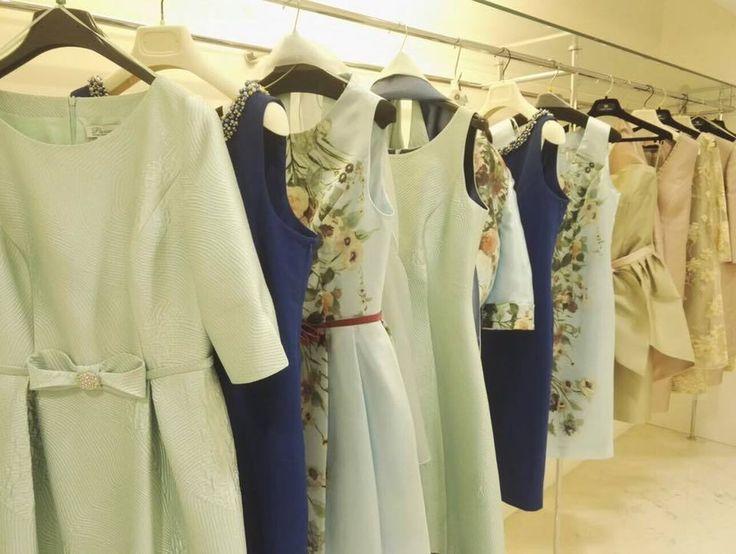 Nelle nostre boutique cerimonia di Cava e Salerno vi aspettano tante proposte in colori e modelli diversi per accontentare tutte le vostre esigenze di eventi speciali....per donne speciali!