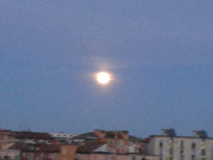 La luna questa sera a Milano !!!