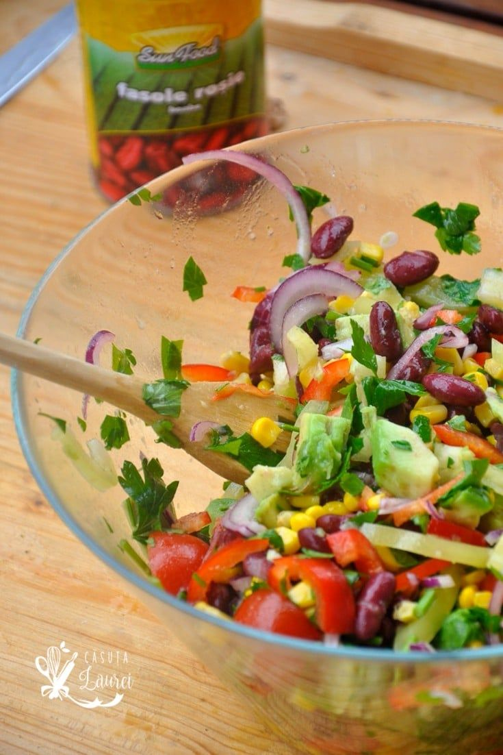 Salata in stil mexican, reteta vegana, satioasa si nutritiva