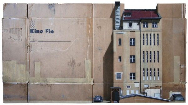 German street artist EVOL seems to be obsessed with buildings. After transforming electric boxes from Berlin into apparently livable blocks of apartments, he's tried to do the same with pieces of paper and cardboard and the result is amazing.