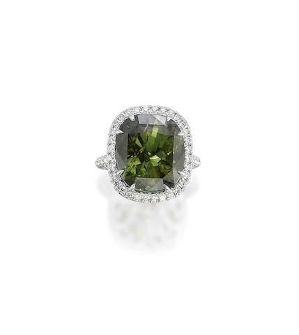A 16.82 carats Ceylon Alexandrite and Diamond Ring, by Hatik