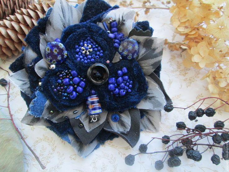 """Купить Бархатная брошь """"Черничный джем"""" - тёмно-синий, брошь в подарок, подарок…"""