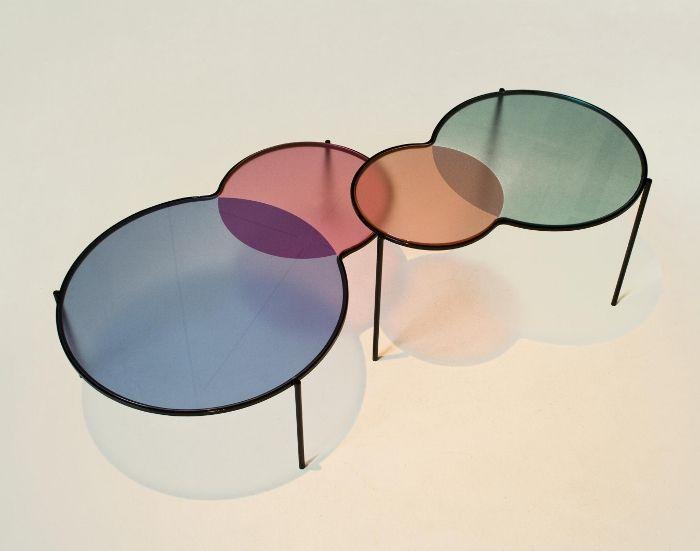 TABLES GIGOGNES HUES PAR OUTOFSTOCK – 2010