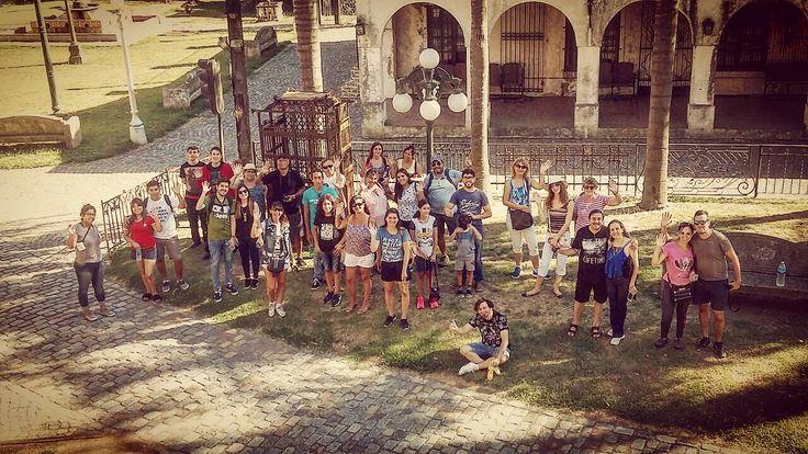Uno de nuestros grupos del día sábado en Campanopolis disfrutando la visita guiada por la aldea