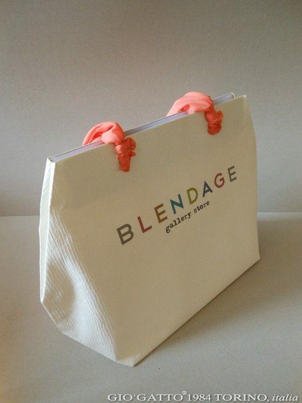 borsa a sacco by Gio'Gatto 1984 borsa sacco in carta pregiata produzione borsa sacco, buste di carta, nastrini personalizzati, nastro adesivo personalizzato, borsa sacco in Gattacrespa, sacchetti di carta personalizzati