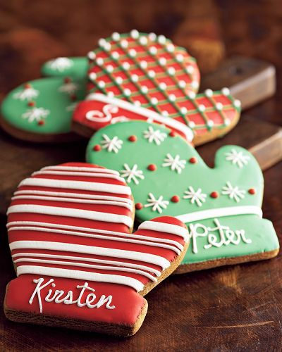 Mitten sugar cookies. Love the flood work. These are beautiful and a great personalized gift. I'll probably do these this year.