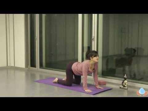 Clase de yoga en casa para relajarte y dormir mejor - Yogahora.com