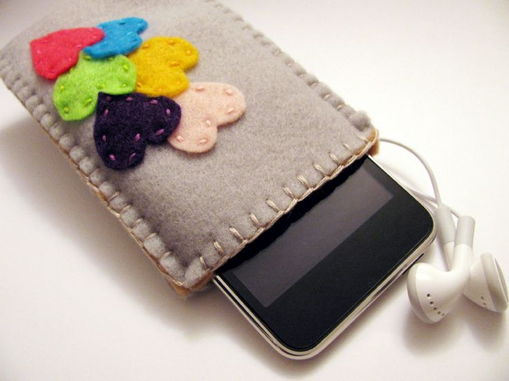 Felt Heart iPod Cozy, make one larger for My Playbook