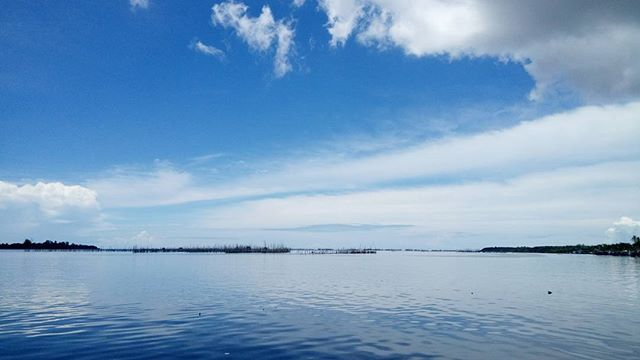 """""""Looking at this view could give a serenity, but it may not last long as the sky turns black so that nothing we can see.  However, the true serenity could be found in patience and gratitude. 🍃🌊☁ . . . . . #pantaikakap #pantaiindahkakap #nofilter #sky #sea #travelgram #pontianak"""" by (annishoy). sea #travelgram #nofilter #pantaiindahkakap #pontianak #sky #pantaikakap. [Follow us on Twitter at www.twitter.com/MICEFXsolutions for more...]"""