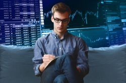 Hledání nových a nových typů vstupů do obchodů s binárními opcemi nemusí být nejlepší cesta. Rozdíl může přinést setrvání u jednoho vstupu a optimalizace strategie kolem něj. Nabízí se jiné expirace opce, filtry trendů a podobné záležitosti, které zachytí a využijí podstatu našeho nápadu, které podpoří jeho edge - výhodu v trzích.