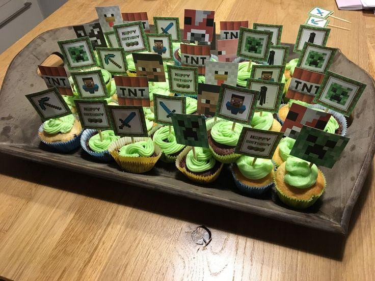 Minecraft traktatie cupcakes groene topping vanille botercreme met foodcolouring green Melvin 9 jaar