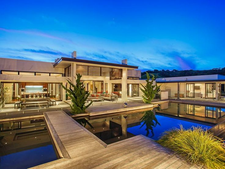Contemporary Home in New Zealand Luxury home