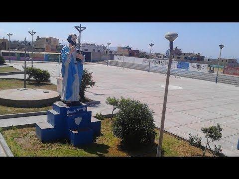 Homenaje a la Estatua del Colegio San Pedro de Chimbote por su 50º Anive...