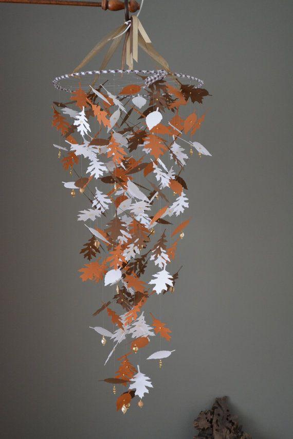 Gave kinderkamer mobiel gemaakt met bladeren in bruin door SierGoed, €39.95