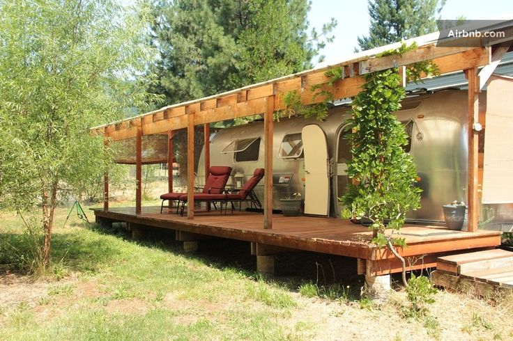 "Cabin in Rogue River, United States. Bring a bottle of wine and enjoy the country,  farm, stars...and cheese! Vintage 1970 Airstream is fully remodeled with a comfy queen bed, front deck, and kitchenette. Full bathroom is a short walk from this one of a kind farm ""glamping"" experienc..."