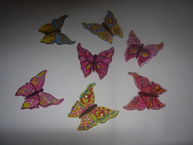 ahşaptan tamamen el emeği ile üretilmiş magnetlerimiz .. rengarenk .kelebek  magnetlerimiz ile özgürleşin