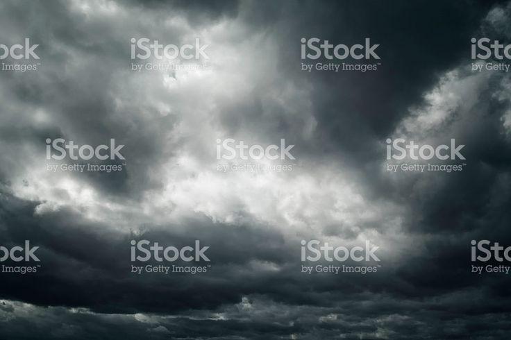 Schwarz und Weiß gefährliche Sturm dramatischer Wolkengebilde – lizenzfreie Stock-Fotografie