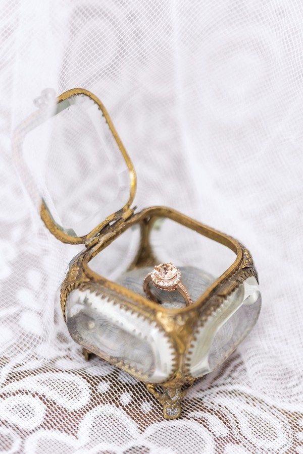 25 best ideas about engagement ring boxes on pinterest for Cute engagement ring boxes
