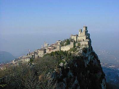 SintraMoorish Castles, Sintra Castles, 100 Places, Sintra Portugal, Castles Castles, Portugal Castles, Castelo Dos, Castles Portugal, Dos Mouro