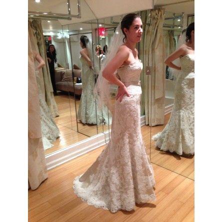Lace 'Autumn' wedding dress by Modern Trousseau.   Brand New, Size 6/8.    http://www.stillwhite.com/19274-modern-trousseau-new-size-8-new    #lace, #weddingdress, #moderntrousseau, #vintage #greatgatsby
