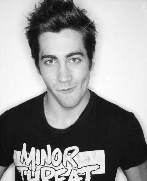 love his smile in this pic - and he's wearing a minor threat tee!