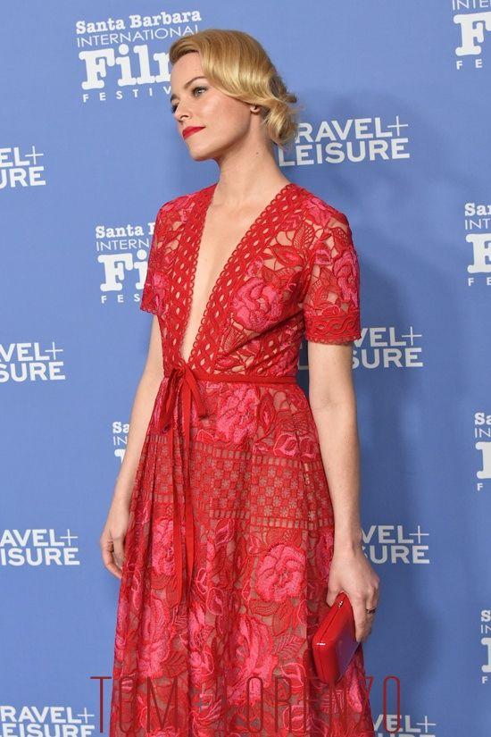 Elizabeth-Banks-Virtuosos-Awards-Santa-Barbara-Film-Festival-Fashion-Elie-Saab-Tom-Lorenzo-Site-(10)