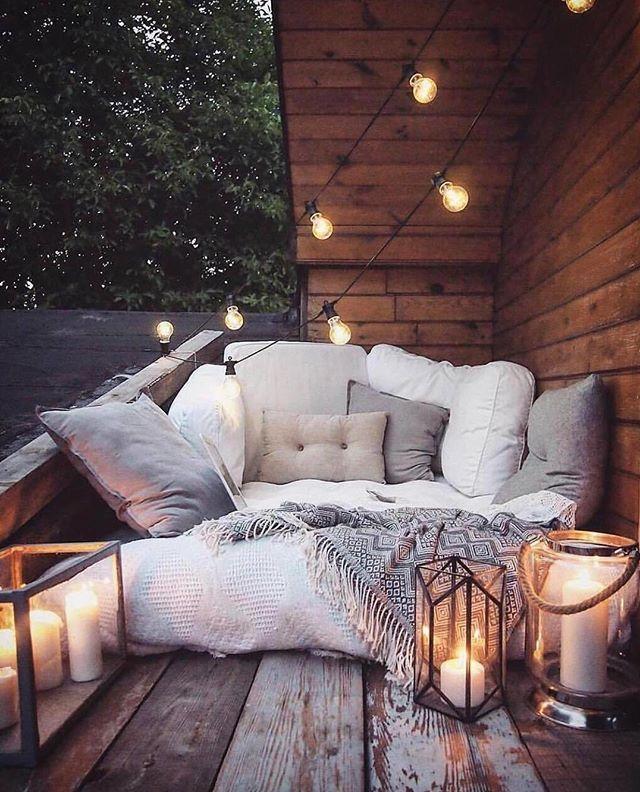 Delightfully cozy back patio