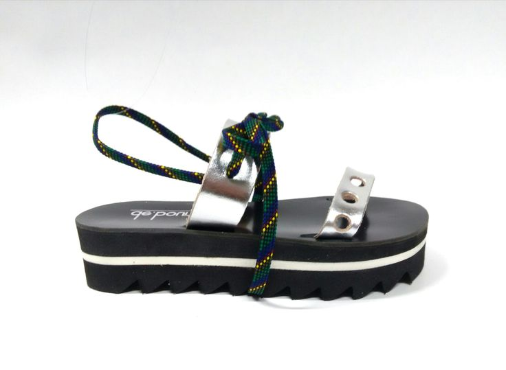 Spacey_Black Handcrafted leather sandal