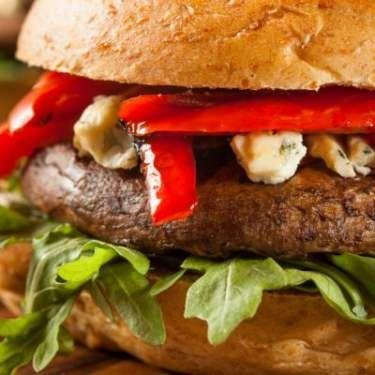 Copycat Recipe: Red Robin Veggie Burger: try for vegetarian camping