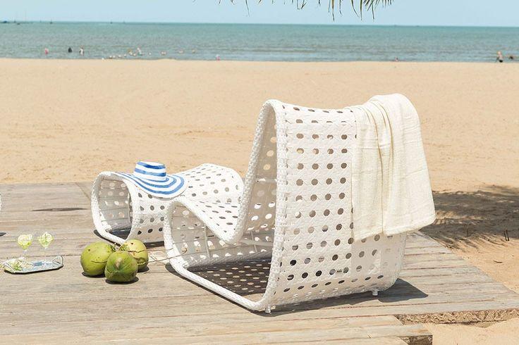 Ligstoel / loungestoel / ligbed / wicker / tuinset / tuinstoel / relaxen / beach / strand