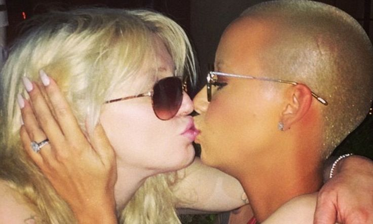 Amber Rose says kissing Courtney Love was 'epic'