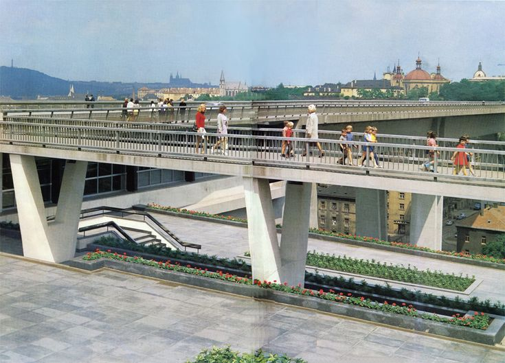 The dual-level bridge across the Nusle Valley, 485 m. long and 26 m. wide, with a tunnel for Metro trains on the lower level, was built in the years 1965-1973 and named, during the festive inauguration on 25 February 1974, for Klement Gottwald. The final project was made by Stanislav Hubicka and his team.