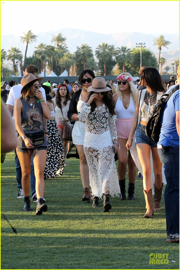 Selena Gomez Flashes Black Bra in Sexy Sheer Dress at Coachella with Kendall & Kylie Jenner! | selena gomez bra sheer dress at coachella 01 ...