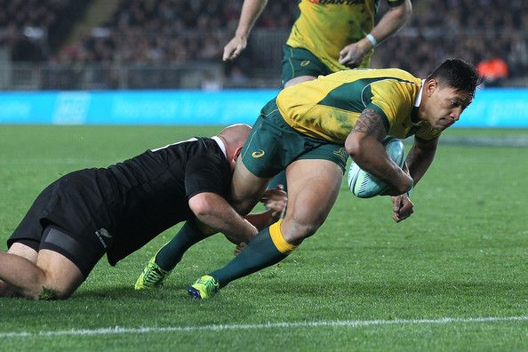 Israel Folau scores one of the two tries scored by New Zealand in their 21-50 loss against New Zealand New Zealand vs Australia 23 August 2014