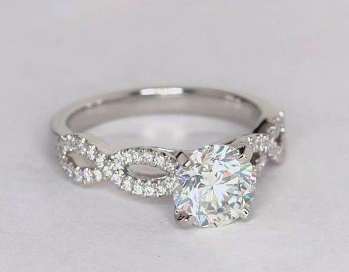 Diamond Engagement Ring in Platinum