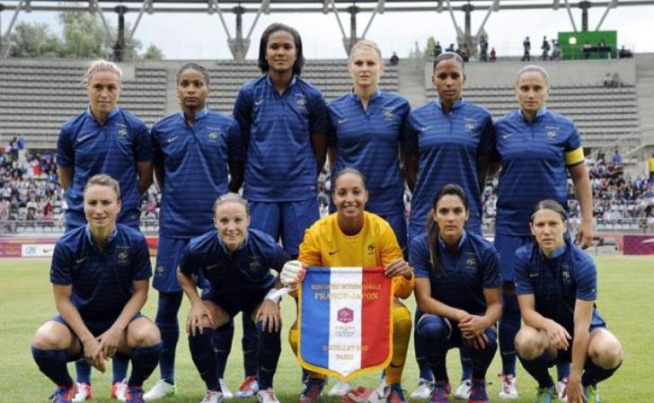 Foot féminin: Gaétane Thiney présente l'équipe de France
