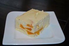 Mandarinen-Quark-Kuchen ohne Boden  ½ kg Magerquark 125 g Zucker 1 Dosen Mandarin-Orangen ½ Päckchen Zitronenschale gerieben 2 ½ Eier ½ Päckchen Vanillepuddingpulver für 500 ml Milch zum Kochen