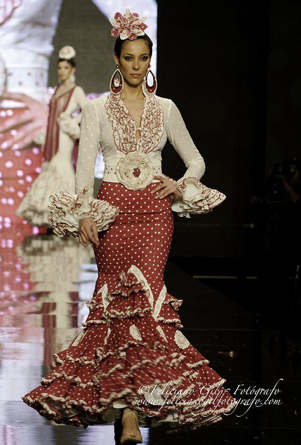 """Feliciano Gil Fotógrafo  » Blog Archive   » """"Con Solera"""", desfile de Moda Flamenca de la diseñadora Macarena Beato (Faly, de la Feria al Rocío), en SIMOF 2013 - 38"""