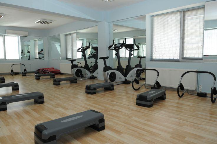 Yaz geliyor! Yaza sağlıklı ve fit girmek isteyen kadınlar için ücretsiz fitness eğitimlerimiz başladı. Detaylar için; http://www.izmit.bel.tr/mekanlar/fitness-salonlari_13.html