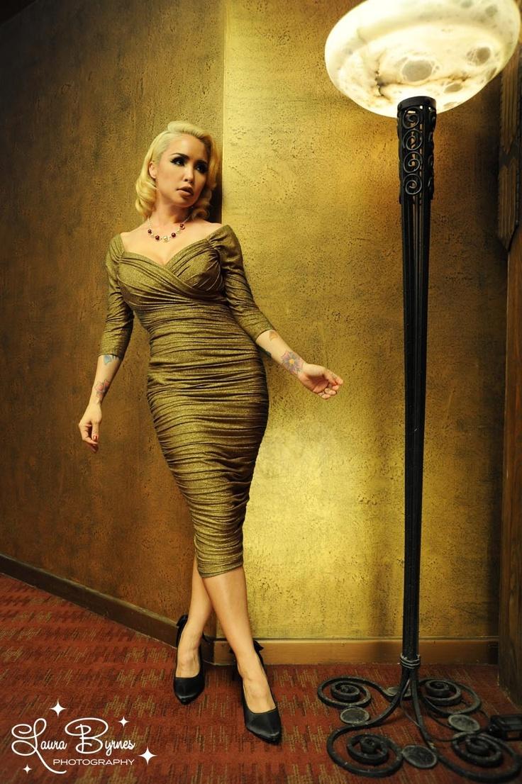 Laura Byrnes California Monica Wiggle Dress In Gold Lurex