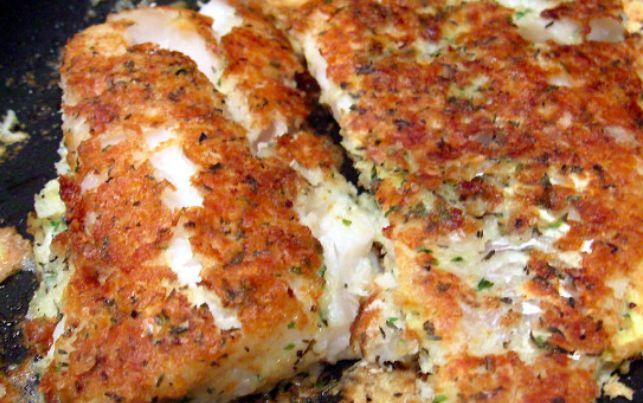Het krokante laagje dat om dit visje zit bevat een geheim ingrediënt, je gelooft nooit wat het is!