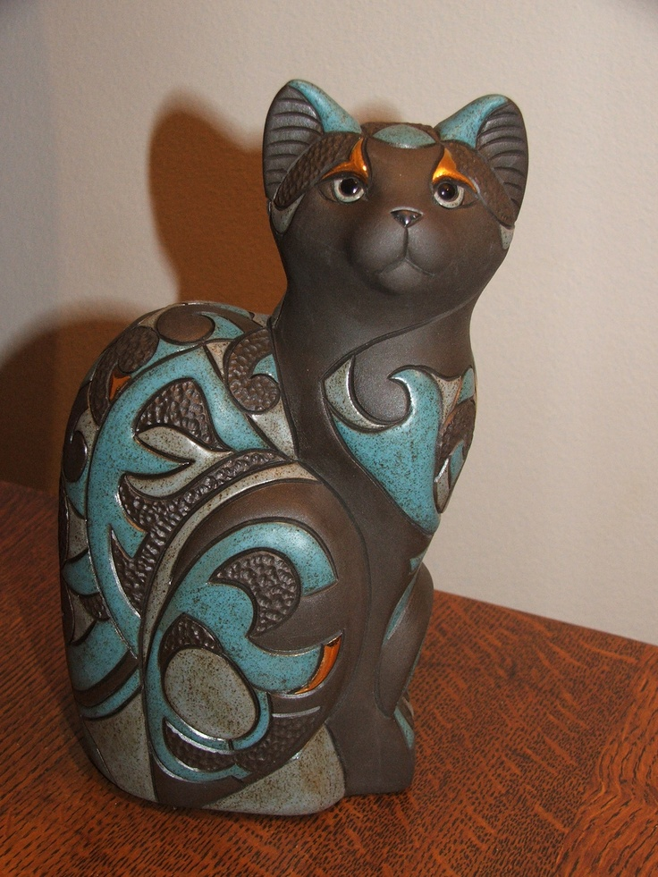 Beautiful Cat figurine by De Rosa Collections Uruguay