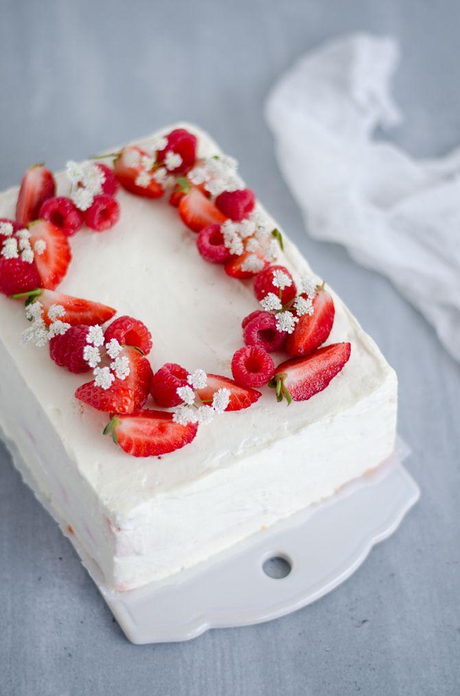 Coco e Baunilha: Bolo japonês de morango e chantilly // Japanese strawberry shortcake
