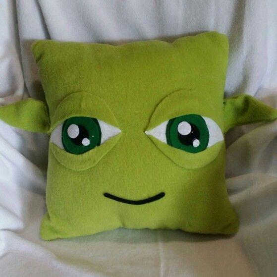 Yoda star wars throw pillow