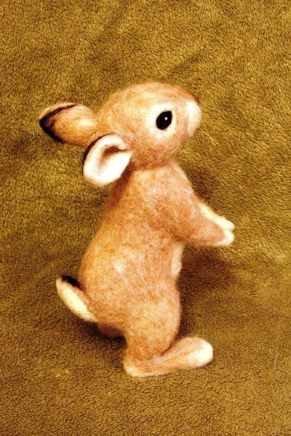 i.pinimg.com 736x 28 86 0d 28860d02ee4f05c58cd814b1017cbd0b--felt-baby-rabbit.jpg