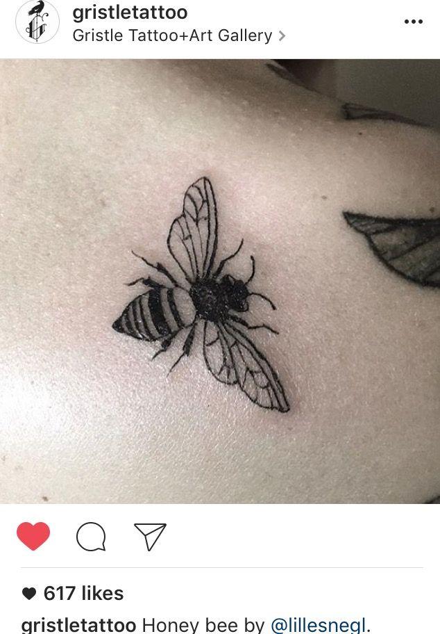Blackwork honey bee, linework, fine line tattoo