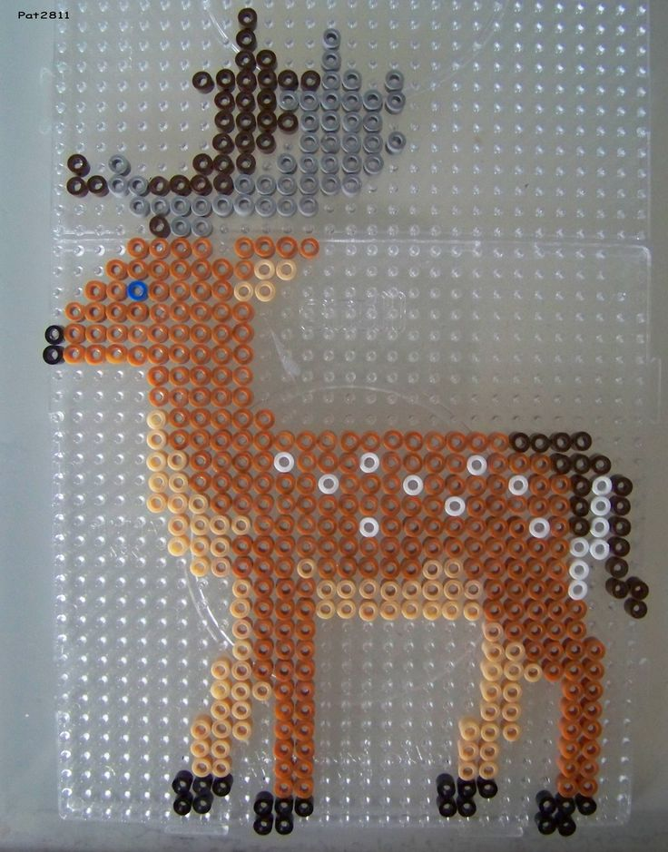Hirsch  Bügelperlen / Deer hama perler beads I want to revamp this into a doe and do the color scheme like a patronous