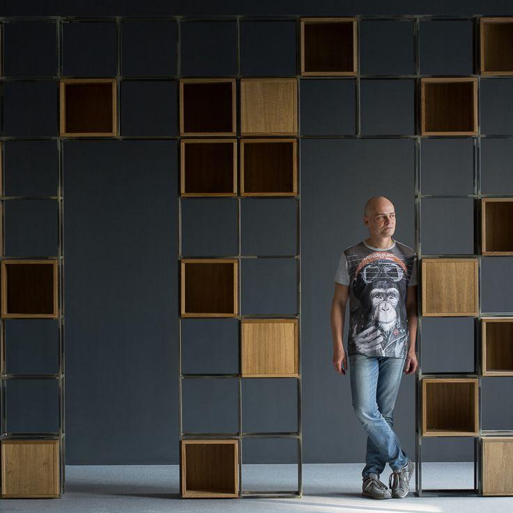 Стеллаж-разделитель пространства. Массив дуба, сталь. Сделано на заказ для роскошного пентхауса в стиле лофт на Петроградке #tiskin #tiskin_design #loft