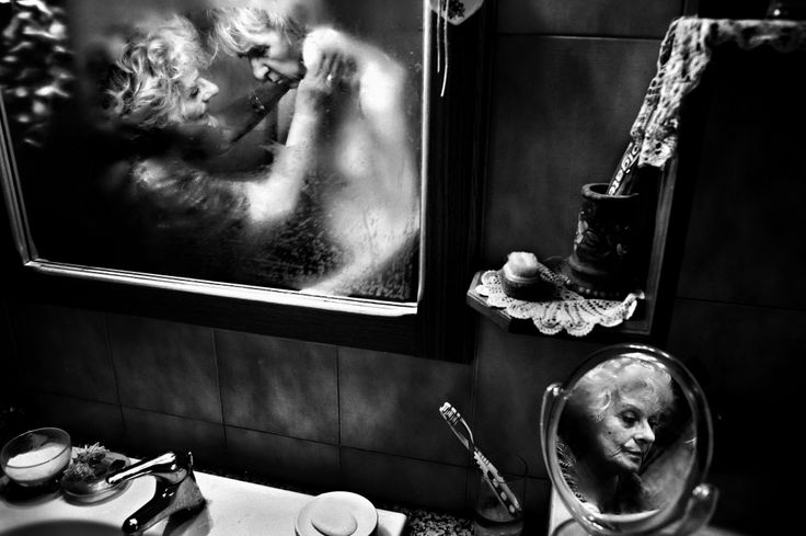 Mirella - World Press Photo 2013, Daily Life, 1st prize stories © Fausto Podavini | www.lajetee.it